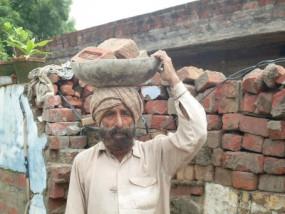 अनदेखी: तात्या टोपे के वंशज चला रहे किराना दुकान, शहीद उधम सिंह के वंशज कर रहे दिहाड़ी मजदूरी