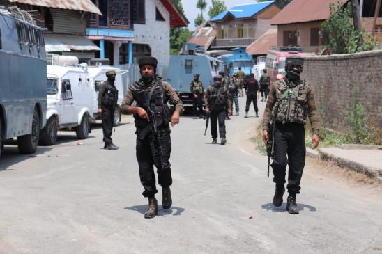 जम्मू-कश्मीर में पाक के नापाक प्रयासों के बावजूद जमीनी हालात में सुधार