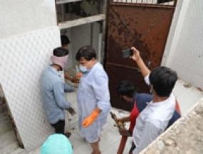 ग्वालियर में मंत्री ने की महिलाओं के लिए बने शौचालय की सफाई