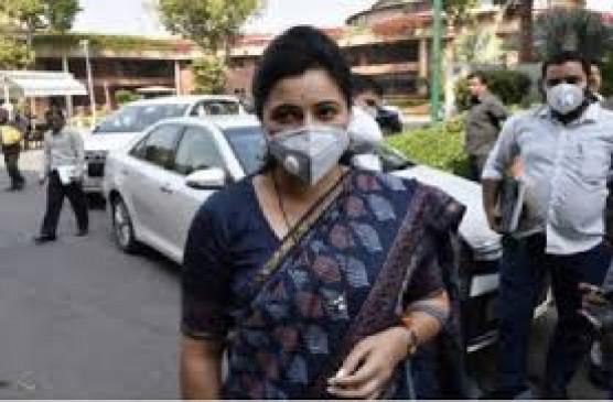 सांसद नवनीत राणा कोरोना पॉजिटिव, अमरावती में मिले 92 मरीज, चंद्रपुर में 67 संक्रमित