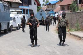 जम्मू-कश्मीर में आतंकवादियों की गोलीबारी में एक सैनिक घायल