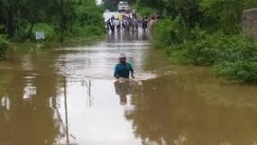 थमी बारिशफिर भी बाढ़ बरकरार,संजय सरोवर के पानी से बढ़ी परेशानी