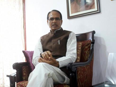 शिवराज, वी.डी. शर्मा के ट्वीटर प्रोफाइल पर राम की तस्वीर