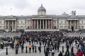 लंदन में लॉकडाउन के विरोध प्रदर्शन में 16 गिरफ्तार, 9 पुलिसकर्मी घायल