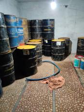अवैध रूप से ड्रमों में रखा गया चार लाख का 82 सौ लीटर केरोसिन जब्त