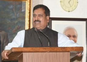 कर्नाटक में अंगड़ी को श्रद्धांजलि देने के लिए सभी कार्यक्रम रद्द
