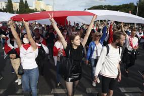 Belarus: जानिए रूस के चक्रव्यूह में कैसे फंस रहा बेलारूस? लुकाशेनको के इस्तीफे की मांग को लेकर 6 हफ्तों से प्रदर्शन