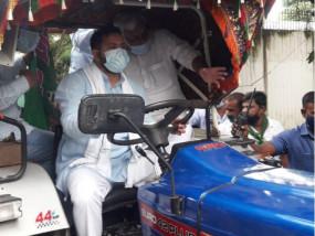 भारत बंद: कृषि बिलों के विरोध में किसानों का देशव्यापी प्रदर्शन, पटना में पप्पू यादव की पार्टी और बीजेपी कार्यकर्ताओं के बीच झड़प