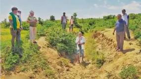 बिहार: अपने गांव में पानी लाने के लिए एक आदमी ने खोदी 5 किमी लंबी नहर