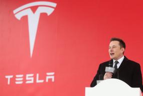 बिल गेट्स को नहीं है इलेक्ट्रिक ट्रक की समझ : एलन मस्क