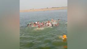 राजस्थान के चंबल नदी में नाव पलटी, 14 लापता