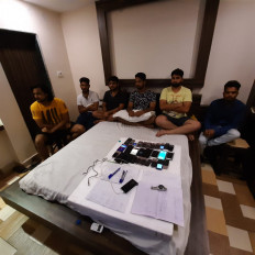 होटल पंचवटी में पकड़ा क्रिकेट का सट्टा - 6 सटौरियों व होटल मालिक गिरफ्तार