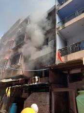 दिल्ली के गोदाम में लगी आग, कोई हताहत नहीं