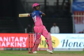CSK Vs RR: संजू सैमसन ने लगाई छक्कों की झड़ी, 19 गेंदों में जड़ा अर्धशतक