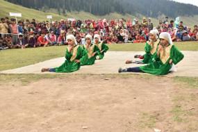 जम्मू-कश्मीर का अधिवास कानून बाहरी से शादी करने वाली महिलाओं के लिए फायदेमंद