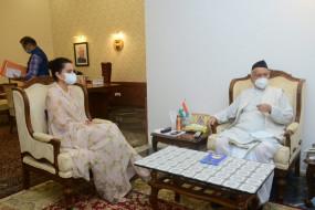 महाराष्ट्र के राज्यपाल से मिलकर कंगना ने की अपने साथ हुए अन्याय पर बात