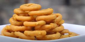 Snacks: बिना मशीन के बनाएं क्रिस्पी रिंग मुरुक्कु, जानें रेसिपी