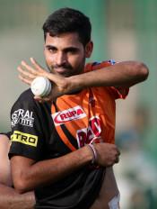 IPL 2020: भुवनेश्वर ने कहा- सनराइजर्स में सीनियर खिलाड़ी होने का दबाव नहीं