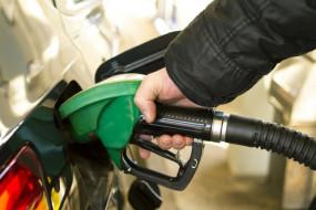 Fuel Price: लंबे समय के बाद डीजल के भाव हुए कम, जानें आज क्या है कीमत