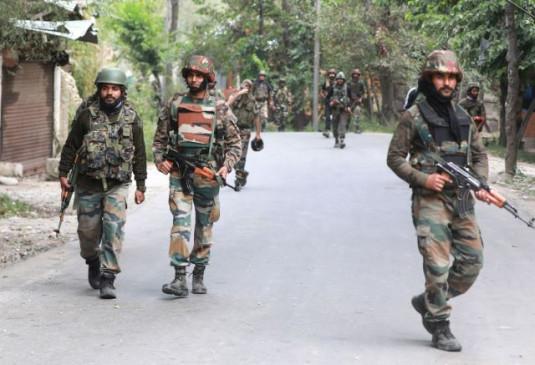 जम्मू-कश्मीर: भारतीय सेना ने नाकाम किया पुलवामा जैसा हमला, पानी की टंकी से बरामद किया 52 किलो विस्फोटक