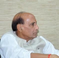 राजनाथ ने नौसेना के सेवानिवृत्त अधिकारी पर हमले की निंदा की