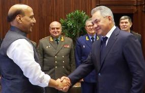 SCO Meeting: रूसी रक्षा मंत्री से मिले राजनाथ सिंह, 'नो आर्म्स सप्लाई' पर रूस के फैसले से पाक को तगड़ा झटका