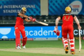 RCB vs MI Live: बेंगलुरु ने मुंबई को 202 रन का टारगेट दिया, फिंच, पडिक्कल और डिविलियर्स के अर्धशतक