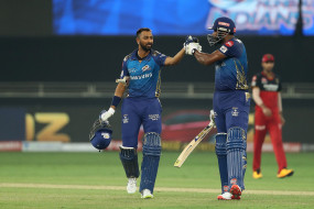 RCB vs MI Live: विराट के चौके से जीते चैलेंजर्स, सूपर ओवर में मुंबई इंडियन्स को हराया