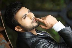 रिया की गिरफ्तारी, ड्रग एंगल से सुशांत पर फिल्म की स्क्रिप्ट प्रभावित हो सकती है : जुबेर के. खान