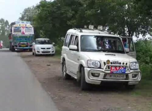 कोयला परिवहन करने वाली गाडिय़ों को निकालने आरटीओ के उडऩदस्ता प्रभारी ने मांगे 1500 रुपए