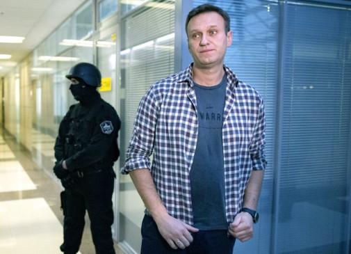 Russia: नवालनी के स्वास्थ में सुधार, मेकेनिकल वेंटिलेशन से हटाए गए, फ्रांसीसी और स्वीडिश लैब ने भी की नोविचोक दिए जाने की पुष्टि
