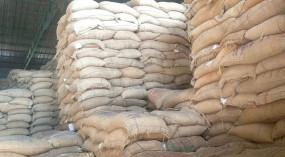 घोटाला: गरीबों की थाली में घटिया चावल परोसने की तैयारी