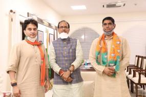 कांग्रेस को झटका,भाजपा में गए मैहर के श्रीकांत