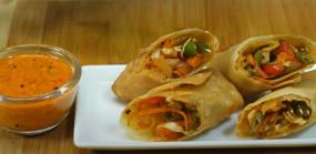 Snacks: घर पर बनाएं बाजार जैसे टेस्टी वेज स्प्रिंग रोल्स, जानें रेसिपी