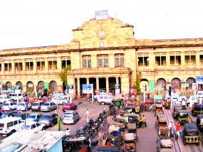 नागपुर रेलवे स्टेशन पर सोशल डिस्टेंसिंग का नहीं हो रहा पालन