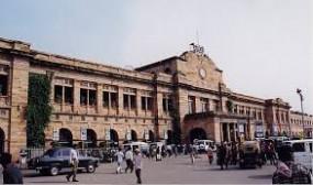 नागपुर स्टेशन पर बढ़ने लगी यात्रियों की चहल-पहल, किसान रेल बनी वरदान, अब सप्ताह में तीन दिन हावड़ा-मुंबई मेल
