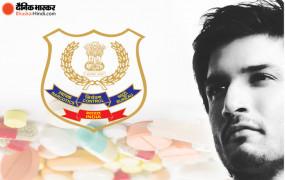 सुशांत केस: रिया के पिता और सिद्धार्थ पिठानी से CBI की पूछताछ, ड्रग कनेक्शन में NCB की जांच तेज, रिया के भाई की मुसीबत बढ़ी