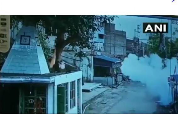 पश्चिम बंगाल: जगद्दल में भाजपा सांसद अर्जुन सिंह के घर अज्ञात हमलावरों ने की बमबारी और फायरिंग