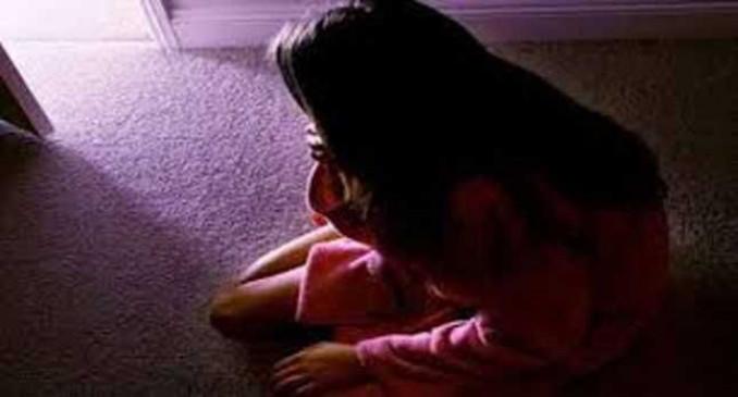 UP: मथुरा में 9 साल की बच्ची की दुष्कर्म के बाद हत्या, गांव के बाहर मिला शव