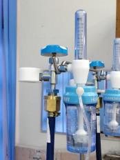 उप्र : मरीज के परिजन ने अस्पताल से जबरन छीना ऑक्सीजन सिलिंडर