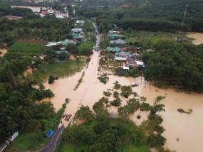 वियतनाम में बाढ़ और भूस्खलन से 130 लोगों की मौत, 18 लापता