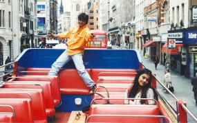 डीडीएलजे के 25 साल : लंदन के लीसेस्टर स्क्वायर में लगेगी शाहरुख-काजोल की कांसे की मूर्ति