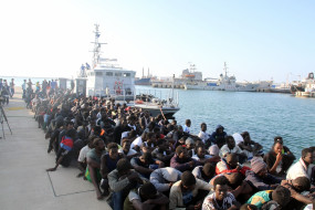 लीबिया के तट से 390 अवैध प्रवासी बचाए गए : आईओएम