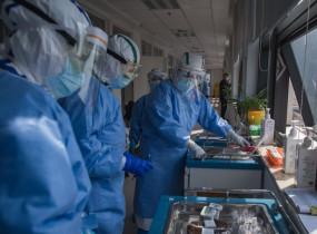 चीनी मेनलैंड में कोरोना के 7 रोगी डिस्चार्ज हुए