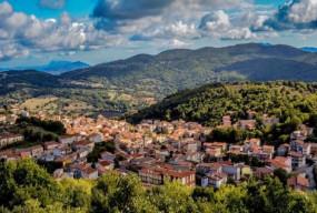अजब-गजब: इटली के इस शहर में महज 87 रुपए में बिक रहे हैं घर, जानें क्या है वजह