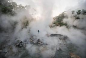 अजब-गजब: अमेजन की इस रहस्यमयी नदी में गिरने पर तय है मौत, जानें क्या है कारण
