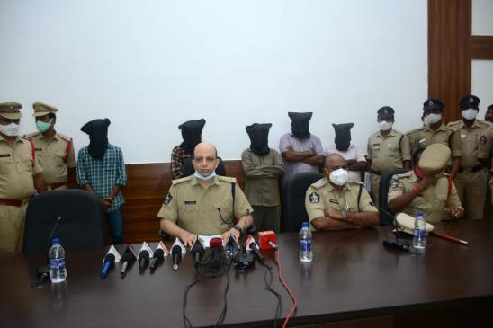 आंध्र प्रदेश में 89 लाख रुपये के जाली नोट जब्त, 5 गिरफ्तार