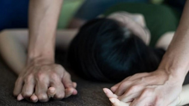 बाराबंकी: धान काटने गई नाबालिग किशोरी की रेप के बाद हत्या, परिजन का आरोप पुलिस दबा रही थी केस