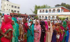 बिहार चुनाव: 71 सीटों के लिए मतदान जारी, पहले 2 घंटे में 6.74 फीसदी मतदान