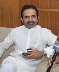 बिहार : आयकर अधिकारी पहुंचे कांग्रेस दफ्तर, गोहिल भड़के
